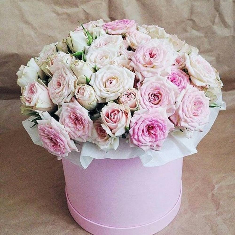 Букет из 29 роз в шляпной коробке