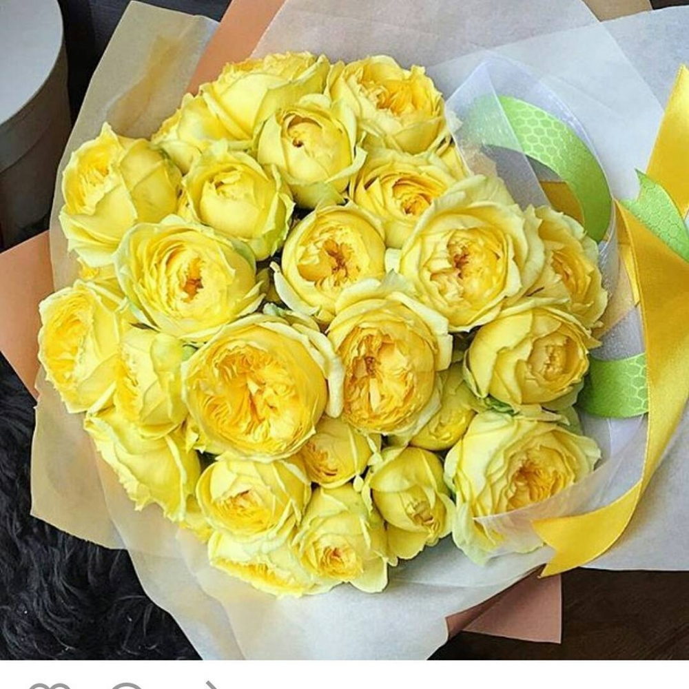 Букет из 29 пионовидных роз