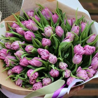 Букет из 51 сиреневого тюльпана