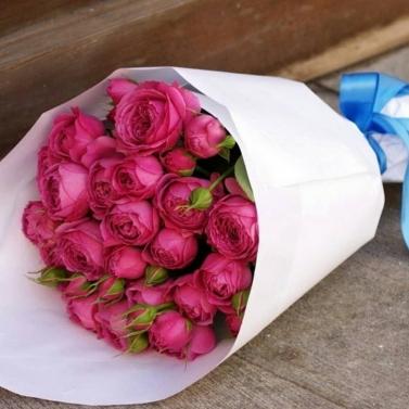 Букет из 19 роз сорта Мисти Баблс