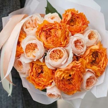 Букет из 17 пионовидных роз
