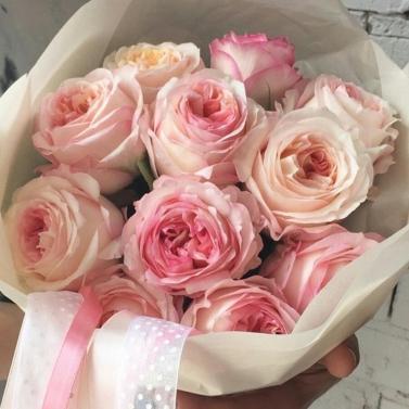 Букет из 11 пионовидных роз